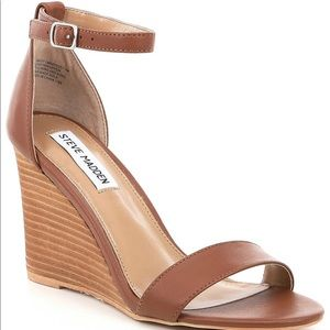 Steve Madden 'Mary' wedge in cognac Size 8.5